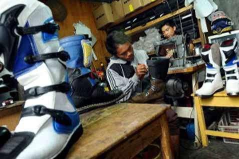 6 Cara Bisnis Sepatu Rumahan Yang Menguntungkan